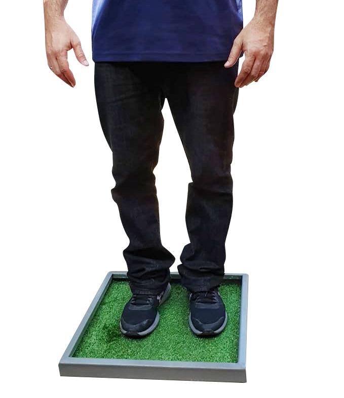 Bandeja de aluminio con alfombra verde para desinfectar zapatos 45x45cm
